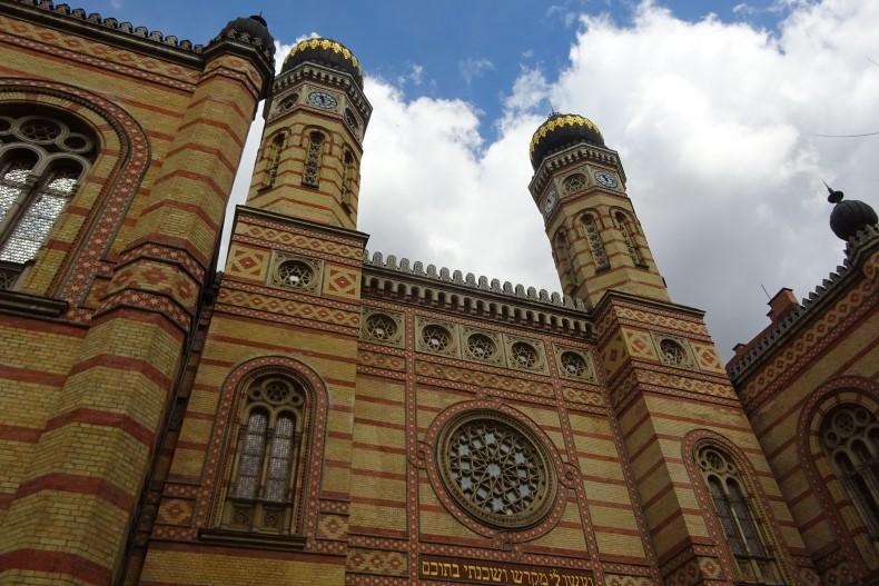 los pilares de la teles - Página 2 Dohany-Street-Synagogue-790