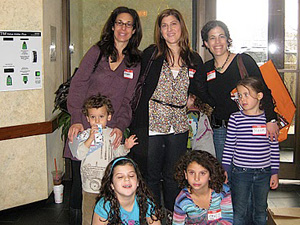Michele Berman, Andrea Grostern and Jessica Altman pose with their children